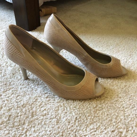 a97d5e703da Kelly & Katie from DSW nude heels, sz 8